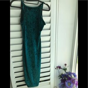 Dresses & Skirts - Velvet green dress